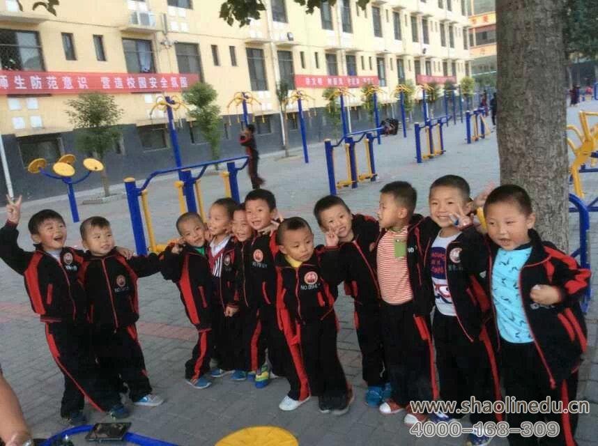 少林寺武术学校的幼儿班学员