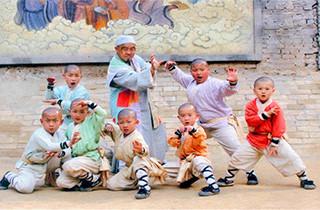 嵩山少林武术学院有小孩子习武