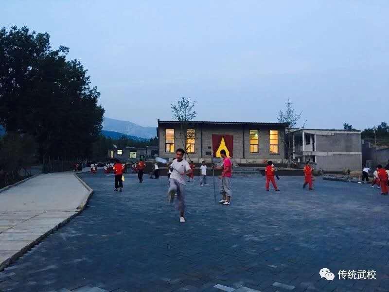 少林寺武术学校学员生活条件