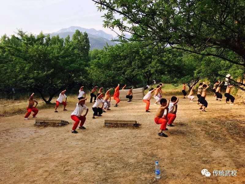 嵩山少林寺武术学校学员晚自习